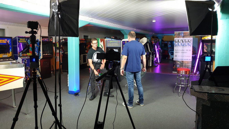 Die Retro Nerds streamen live in die Gamescom Retro Area