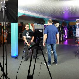 Die Retro Nerds streamen live in die Gamescom Retro Area